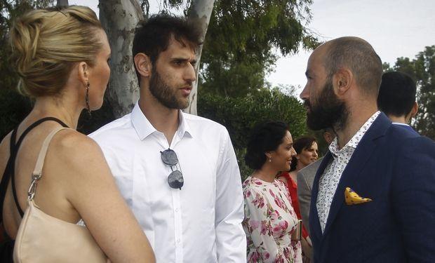 Στράτος Περπέρογλου και Βασίλης Σπανούλης στον γάμο του Γιώργου Πρίντεζη στη Βάρκιζα