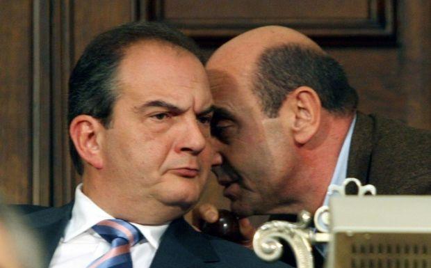 """""""Νέο κόμμα με αρχηγό τον Καραμανλή"""""""