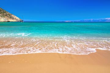 Οι γυμνιστές πάνε στις πιο ωραίες παραλίες της Ελλάδας