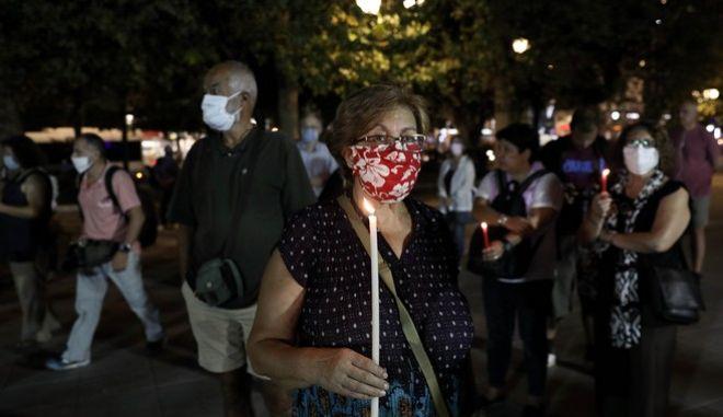 Δίκη Χρυσής Αυγής: Πριν την ιστορική απόφαση, ένα κερί για τα θύματά της