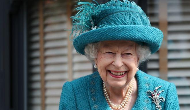 Η ένοχη διατροφική απόλαυση της Βασίλισσας Ελισάβετ