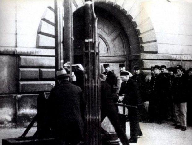 Μηχανή του Χρόνου: O τελευταίος που αποκεφαλίστηκε δημόσια με γκιλοτίνα στη Γαλλία, ήταν ο