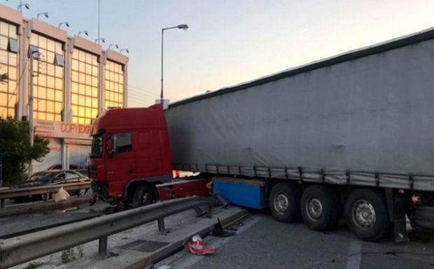 Τροχαίο στον Κηφισό: Κακουργηματική δίωξη στον οδηγό της νταλίκας