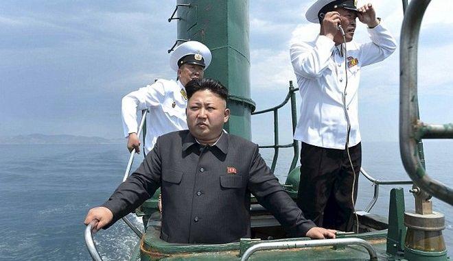 Ο Κιμ δοκίμασε πύραυλο μεσαίου βεληνεκούς, αλλά απέτυχε