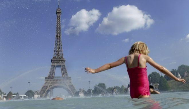 Καύσωνας στο Παρίσι.