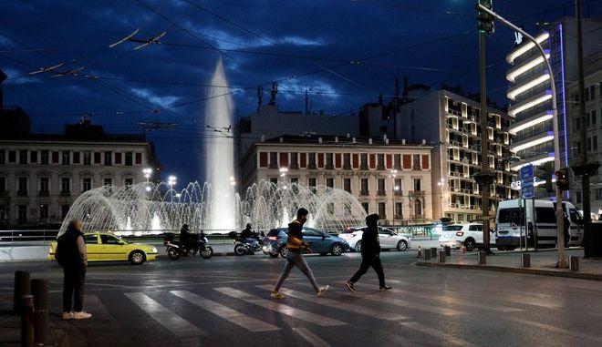 Στιγμιότυπο στο κέντρο της Αθήνας εν μέσω lockdown