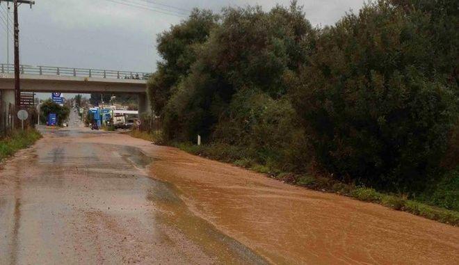 Μεγάλες καταστροφές από τις πλημμύρες στην περιοχή της Ναυπακτίας