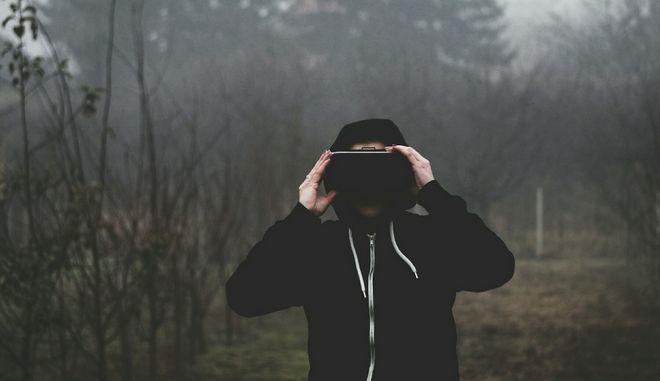 Πέθανε από αιμορραγία, παίζοντας επί ώρες virtual reality game