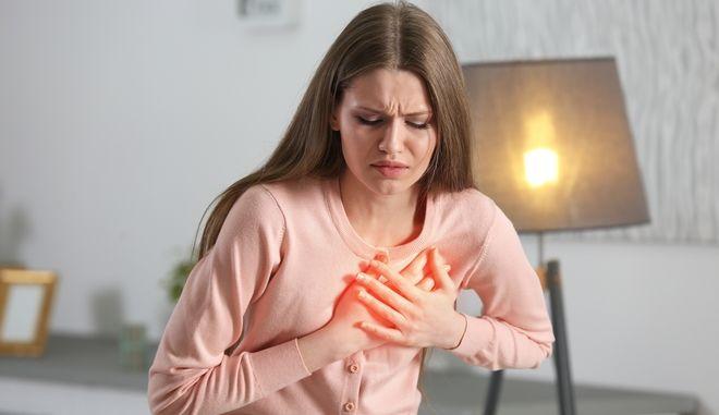 Έμφραγμα: Περισσότερες ελπίδες για τις γυναίκες αν αντιμετωπιστεί από γυναίκα γιατρό