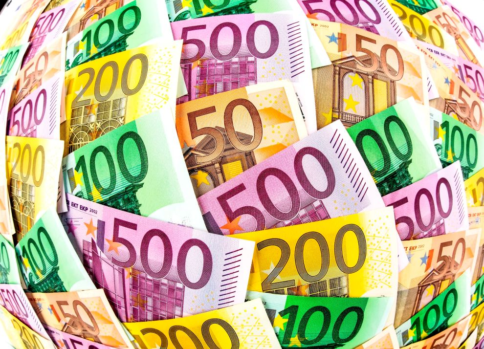 Τα ποσά που ακούστηκαν για τη Σούπερ Λίγκα, είναι τεράστια και μετριούνται σε δισ. ευρώ.