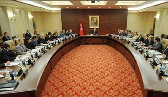 Τουρκία: Ανοικτό το ενδεχόμενο παραπομπής υπουργών στο Ανώτατο Δικαστήριο