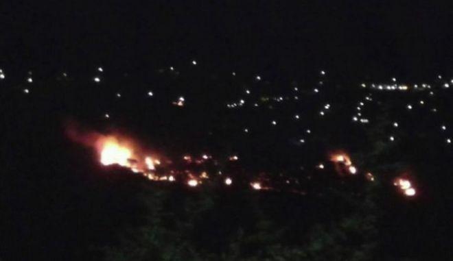 Πλάνο από τη φωτιά στο χωριό Ζόλα