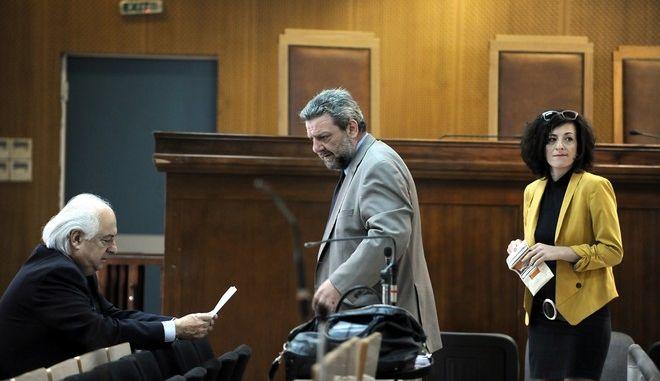 Ξεκίνησε μετά από τέσσερις μήνες διακοπής λόγω της αποχής των δικηγόρων η δίκη των μελών της Χρυσής Αυγής.Η πολιτική αγωγή κατέθεσε σήμερα στην έδρα άδεια από τους δικηγορικούς συλλόγους Αθήνας και Πειραιά,όμως η δίκη αναβλήθηκε για την επόμενη εβδομάδα,έτσι ώστε να ζητηθούν αντίστοιχες άδειες και από τους συνηγόρους υπεράσπισης,Παρασκευή 20 Μαϊου 2016  (EUROKINISSI/ΤΑΤΙΑΝΑ ΜΠΟΛΑΡΗ)
