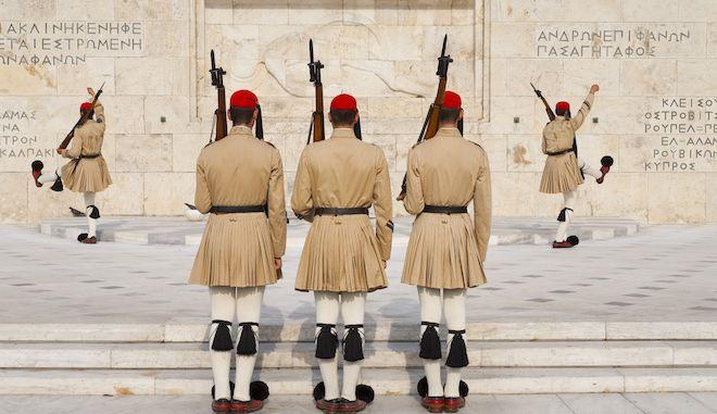 Αλλαγή φρουράς στο Σύνταγμα