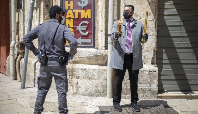 Ισχυρή αστυνόμευση κατά την τελετή αφής του Αγίου Φωτός