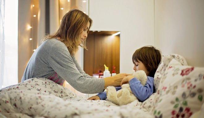 Οι ιώσεις στα παιδιά αποτελούν μια συνηθισμένοι κατάσταση από το Φθινόπωρο και μετά. Φέτος ελλοχεύει και ο κορονοϊός.