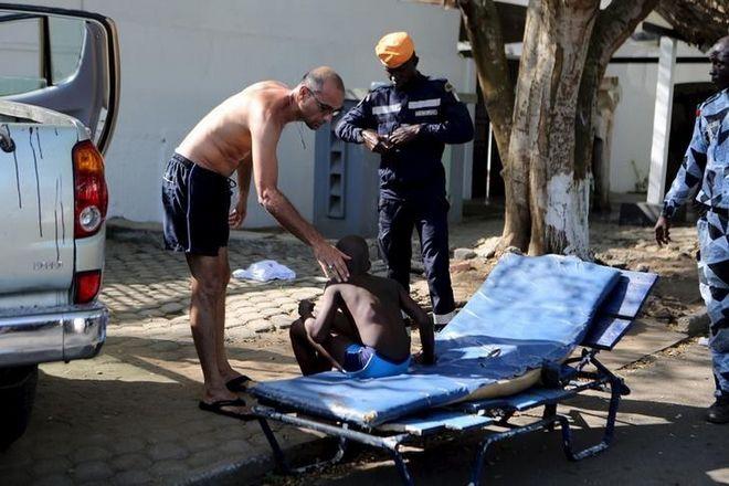 Δεκάδες νεκροί από επίθεση τζιχαντιστών σε θέρετρο της Ακτής Ελεφαντοστού