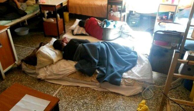 #kolastirio 8 μήνες μετά. Η κυβέρνηση ξέχασε τους ασθενείς του νοσοκομείου Κορυδαλλού