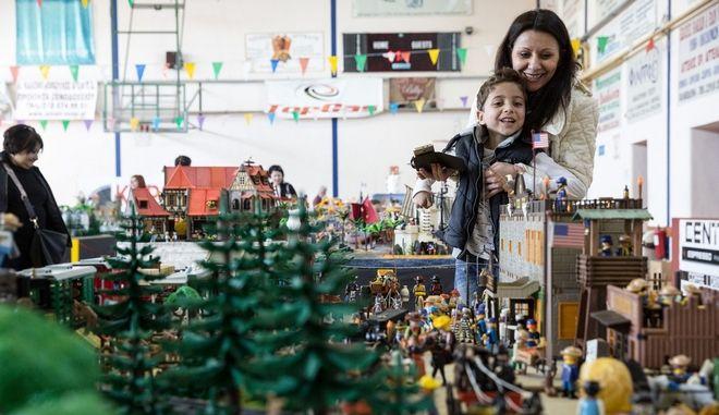 Στιγμιότυπο από την πρώτη έκθεση συλλεκτών Playmobil στη Χαλκηδόνα