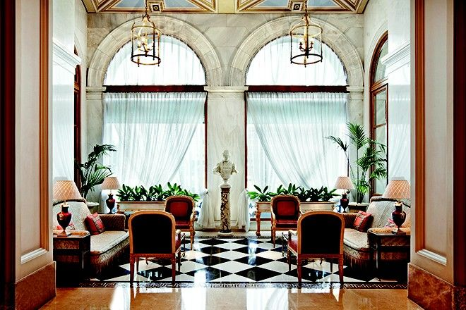 Η μυθιστορηματική ζωή ενός εμβληματικού ξενοδοχείου
