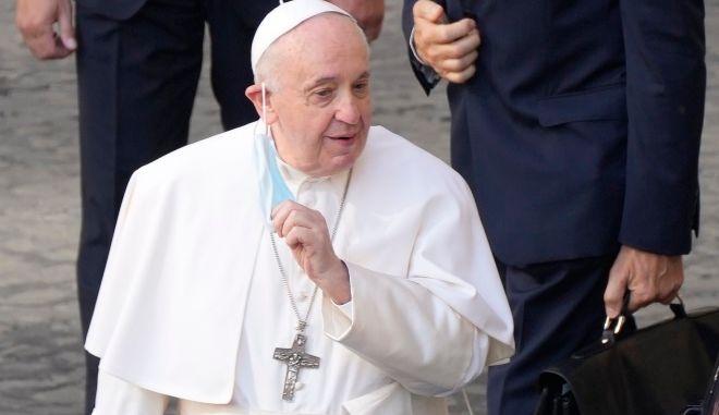 Πάπας Φραγκίσκος: Συνάντηση με Όρμπαν στην Ουγγαρία - Δυσαρέσκεια για τη σύντομη παραμονή του