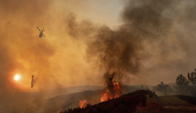 H μεγαλύτερη πυρκαγιά στην ιστορία της Καλιφόρνια