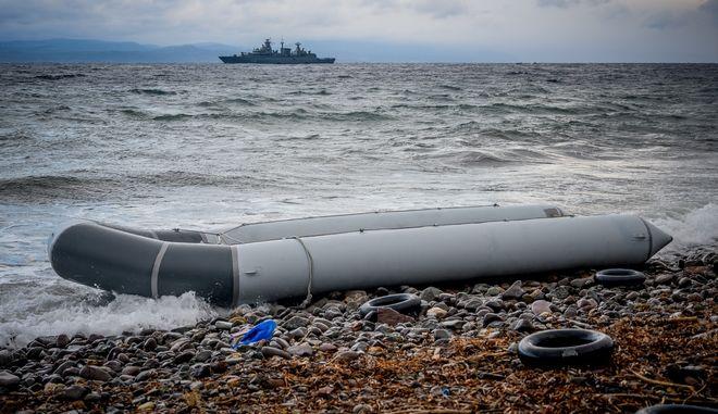 Άφιξη βάρκας με 27 μετανάστες αφρικανικής καταγωγής στη Σκάλα Συκαμινιάς.