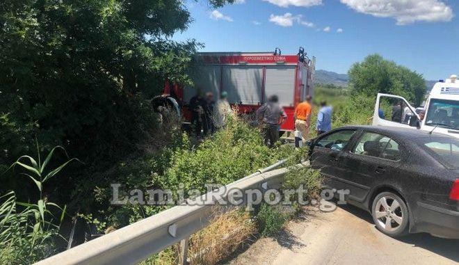 Τροχαίο στη Λαμία: Αγροτικό με επιβάτες έπεσε σε ποτάμι