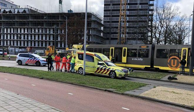 Τρόμος στην Ουτρέχτη: Άνδρας άνοιξε πυρ σε τραμ - Τρεις νεκροί και τραυματίες