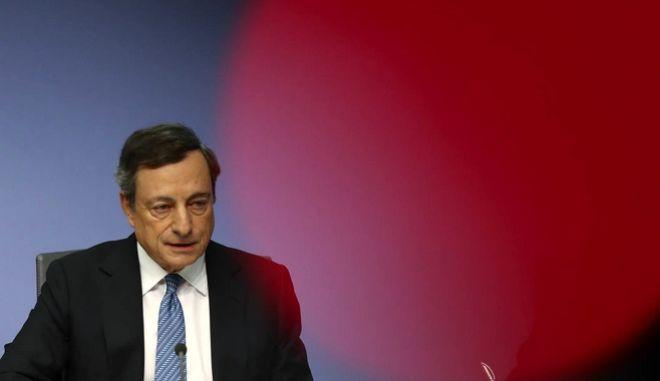 Ντράγκι: Ο λαϊκισμός έχει αποδυναμώσει την ευρωπαϊκή ενοποίηση