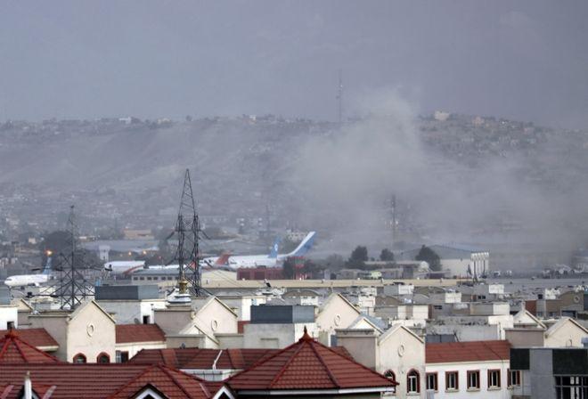 Επίθεση αυτοκτονίας έξω από το αεροδρόμιο της Καμπούλ
