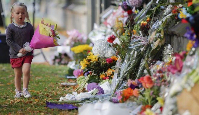 Πένθος στη Νέα Ζηλανδία για τους 50 νεκρούς του μακελειού στο Κράιστσερτς