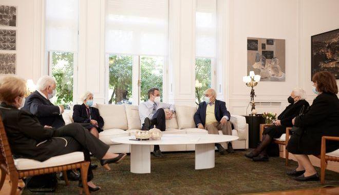 Συνάντηση του Πρωθυπουργού στο Μέγαρο Μαξίμου με πολίτες 64 έως 93 ετών