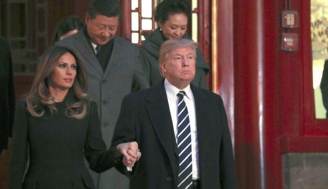 Φωτό αρχείου από την επίσκεψη Τραμπ στην Κίνα και τη συνάντηση με τον Κινέζο ομόλογό του Σι Τζινπίνγκ (AP Photo/Andrew Harnik)