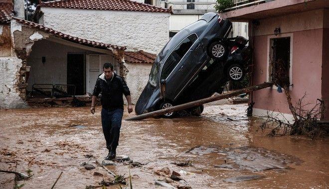 Φωτογραφία από τις πλημμύρες και καταστροφές στη Μάνδρα Αττικής