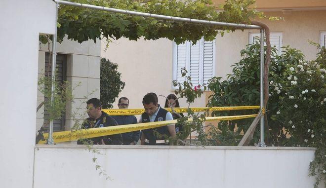 Φρίκη στην Κύπρο: Σκότωσαν το ζευγάρι στον ύπνο τους - Κλειδωμένες οι πόρτες