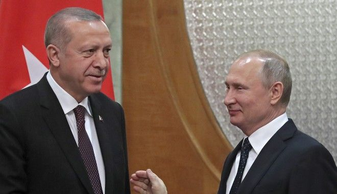Ο Τούρκος πρόεδρος Ρετζέπ Ταγίπ Ερντογάν και ο Ρώσος ομόλογός του Βλαντίμιρ Πούτιν σε συνάντησή τους στο Σότσι τον Φεβρουάριο του 2019