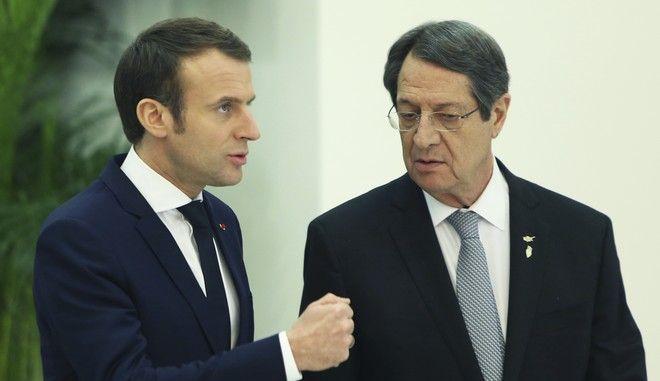 Ο Γάλλος πρόεδρος Εμανουέλ Μακρόν και ο Κύπριος ομόλογός του Νίκος Αναστασιάδης στην Λευκωσία τον Ιανουάριο του 2019