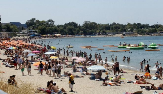 H παραλία του Αλίμου την ημέρα των επαναληπτικών εκλογών του 2012
