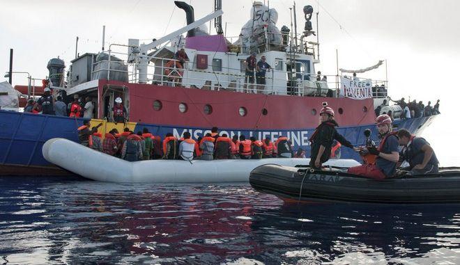 Απάνθρωπη η άρνηση της Μάλτας να αρνηθεί πλοίο με 200 μετανάστες υποστηρίζει η Ιταλία