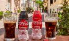 Τα συλλεκτικά μπουκάλια της Coca Cola με τον Παρθενώνα.