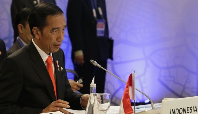 """Indonesian President Joko """"Jokowi"""" Widodo speaks during the 10th Indonesia - Malaysia - Thailand Growth Triangle (IMT-GT) Summit as part of the 30th Association of Southeast Asian Nations (ASEAN) summit in metropolitan Manila, Philippines on Saturday, April 29, 2017. (AP Photo/Aaron Favila, Pool)"""