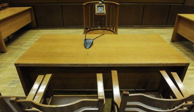 """Δίκη της """"Χρυσής Αυγής"""" στην αίθουσα του Εφετείου Αθηνών, την Τρίτη 18 Οκτωβρίου 2016. (EUROKINISSI/ΤΑΤΙΑΝΑ ΜΠΟΛΑΡΗ)"""