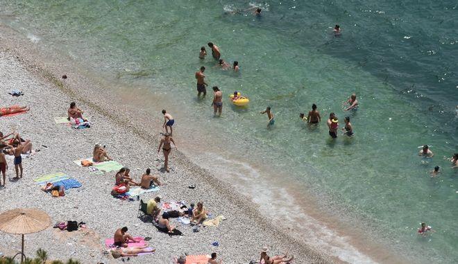 Παραλία στο Ναύπλιο