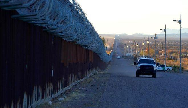 Ένα όχημα περιπολίας δίπλα στα σύνορα των ΗΠΑ (φωτογραφία αρχείου)