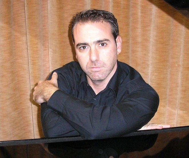 Ο πολυσχιδής βιρτουόζος του πιάνου, Χαράλαμπος Αγγελόπουλος