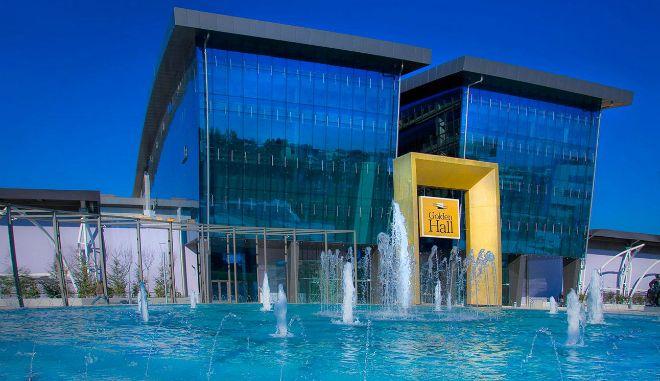 Με τι αλλαγές ανοίγουν σήμερα Athens Mall, Golden Hall και Mediterranean Cosmos