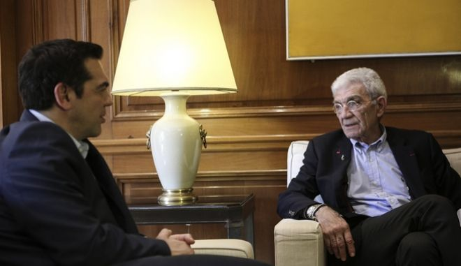Ο Αλέξης Τσίπρας με τον Γιάννη Μπουτάρη κατά παλαιότερη συνάντηση τους στο Μέγαρο Μαξίμου.
