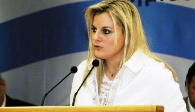 """Παραιτήθηκε η γενική γραμματέας Τουρισμού με """"καρφιά"""" κατά της Κουντουρά"""
