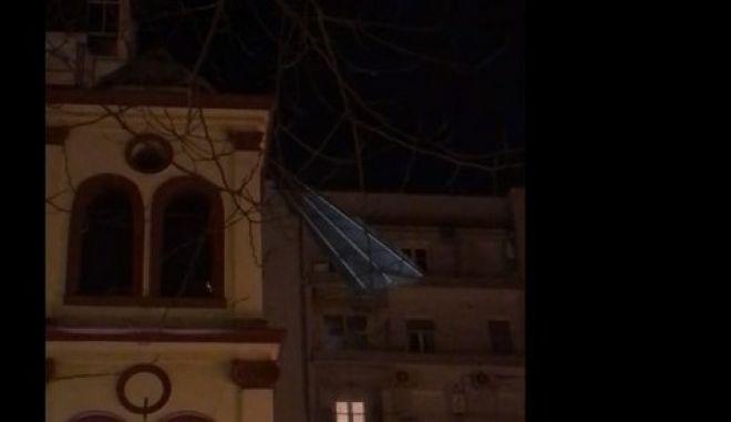 Κακοκαιρία Μήδεια: Στέγη καρφώθηκε σε Ιερό Ναό της Θεσσαλονίκης